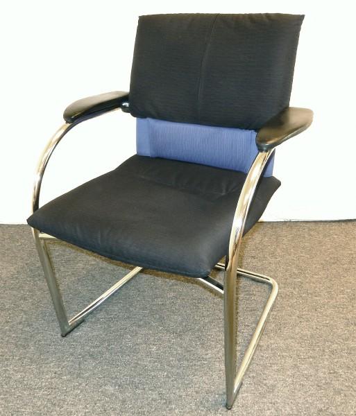 Freischwinger Stoffpolsterung schwarz-blau, gebrauchte Büromöbel