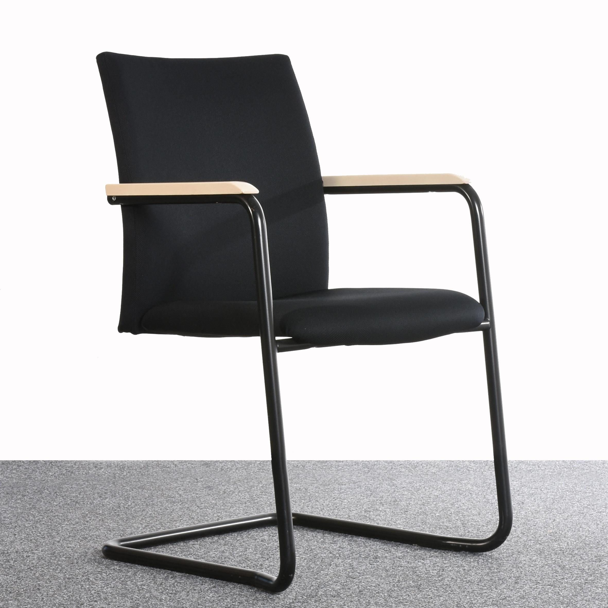 freischwinger comforto textil schwarz armlehne holz wei gebraucht. Black Bedroom Furniture Sets. Home Design Ideas