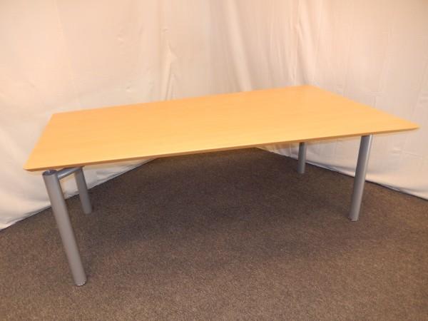 Schreibtisch, Halbtrapez 180x80/100cm, Buche hell, gebrauchte Büromöbel