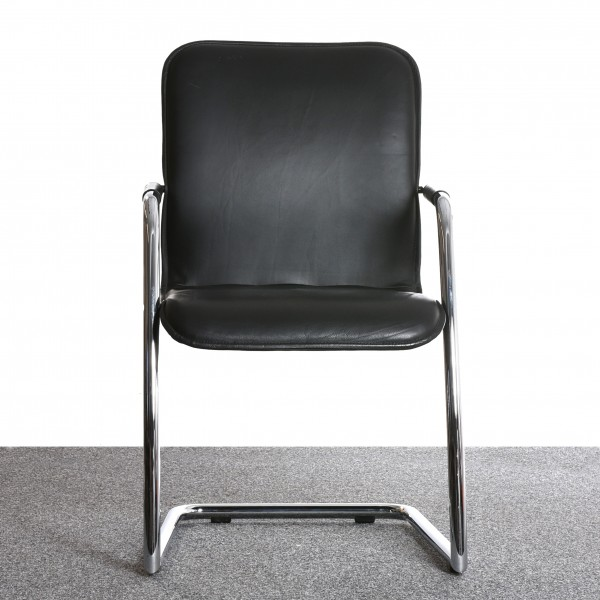 Freischwinger Stuhl, Leder schwarz, verchromtes Gestell, gebraucht