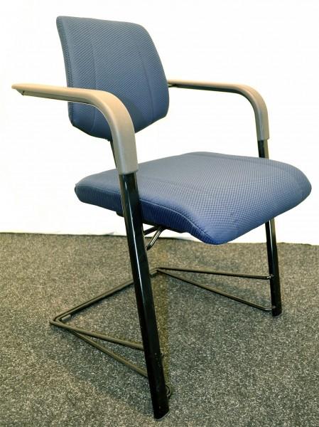 Freischwinger, blaue gemusterte Stoffpolsterung, schwarzes Geste, gebrauchte Büromöbel