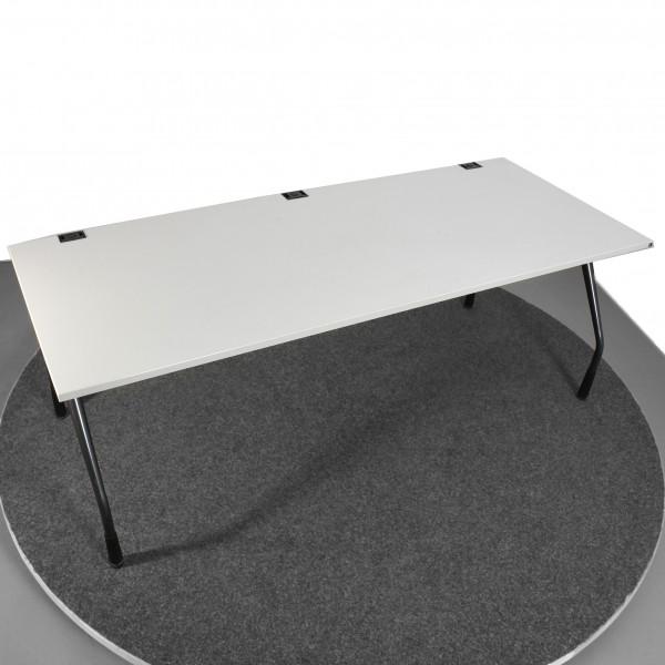 K&N Schreibtisch  höhenverstellbar  lichtgrau anthrazit Kabeldurchlass gebraucht Büro 36593