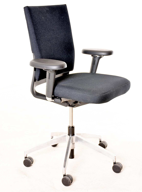 b rodrehstuhl vitra schwarzer textilbezug gebrauchte b rom bel drehst hle st hle. Black Bedroom Furniture Sets. Home Design Ideas