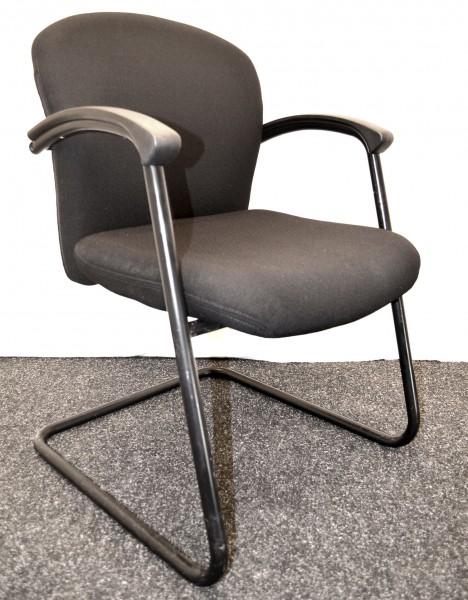 Freischwinger Dauphin, schwarze Polsterung, schwarzes Gestell, gebrauchte Büromöbel