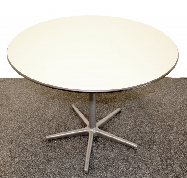 Bürotisch, runde helle Holzplatte, Metallfuß, AHREND Büromöbel, gebrauchte Büromöbel
