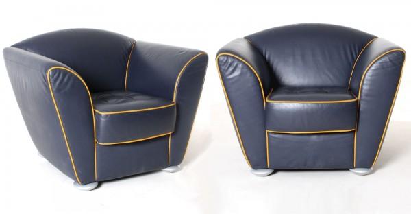 Leder-Sessel, 2er-Set, dunkelblau, gelbe Kontrastnaht, gebrauchte Büromöbel