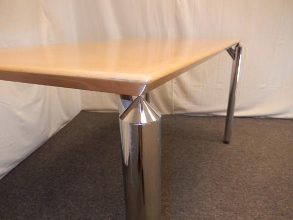 Schreibtisch Buche hell 140x70cm, Designergestell Chrom, gebrauchte Büromöbel