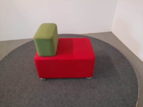 Sessel, Besprechungsstuhl, rot/grün, 4 Fuß, gebraucht