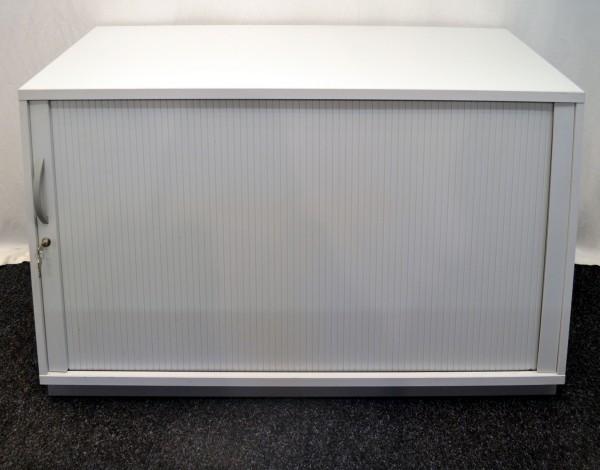 Sideboard 2OH, 130x83cm, lichtgrau, Lamellenschiebetür, verschließbar, gebrauchte Büromöbel