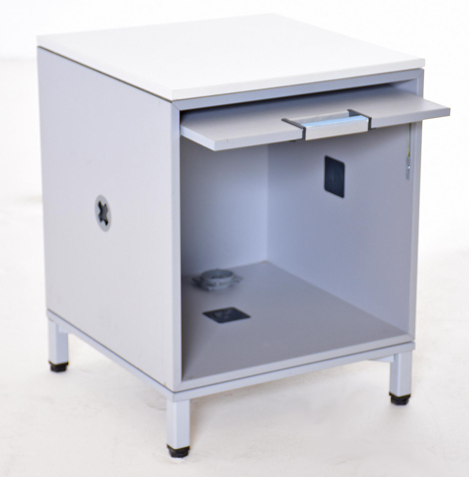 service schrank steelcase 35675 gebrauchte b rom bel 100 cm breite sideboards 2 3 oh. Black Bedroom Furniture Sets. Home Design Ideas