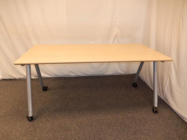 Schreibtisch 160x80 Buche hell auf Gestell mit Rollen, gebrauchte Büromöbel