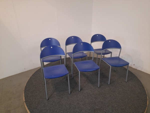 Stapelstuhl, blau, silber, gebraucht
