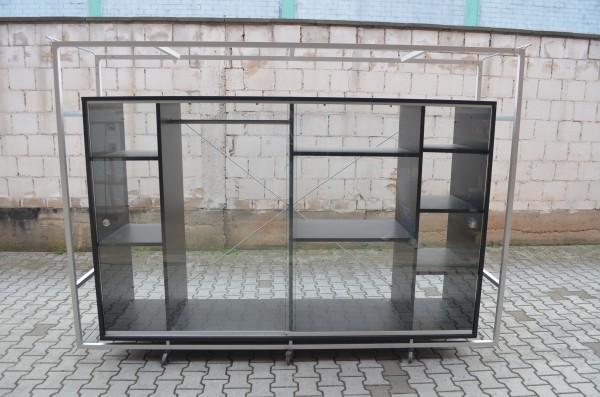 Glasvitrine, 205x285cm, Schwarz/ Alu, 2x Schiebetür, 12x Ablagefächer, gebrauchte Büromöbel
