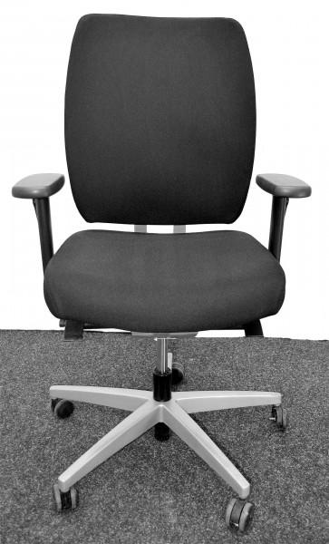 Bürodrehstuhl, schwarze Polsterung, Armlehnen, gebrauchte Büromöbel