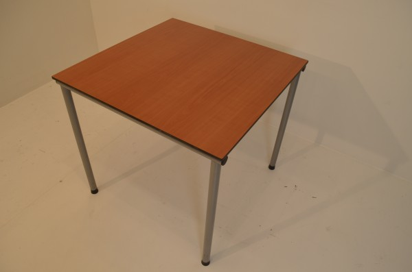 Beistelltisch, Besprechungstisch 73x80cm, Chrombeine, Ahrotntischplatte, gebrauchte Büromöbel