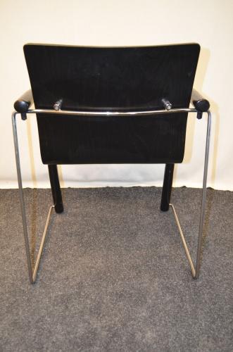 stapelstuhl thonet schwarze polsterung schwarz chrom gestell ebay. Black Bedroom Furniture Sets. Home Design Ideas